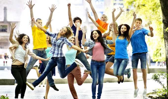 La felicidad de los jóvenes
